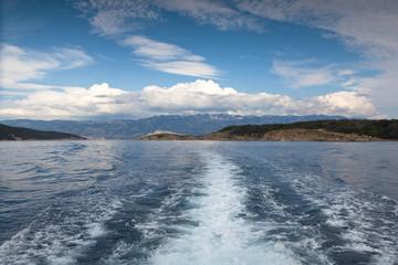 blick auf die Adria in Kroatien und Inseln in Südeuropa