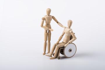 Rollstuhlfahrer und Arbeitskollege