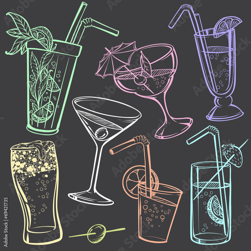 Hand-drawing Icons of Alcoholic Drinks Glasses - 69421735