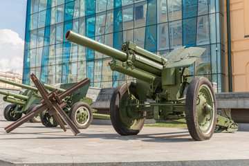 Cannons in Kharkiv