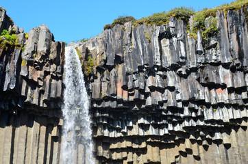 Свартифосс (исл. Svartifoss) — чёрный водопад, Исландия