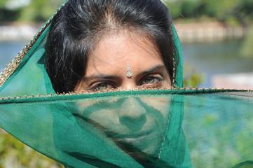 jeune femme hindoue