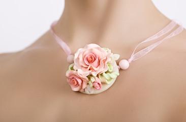vintage accessories, Fashion studio shot of a floral rose neckla