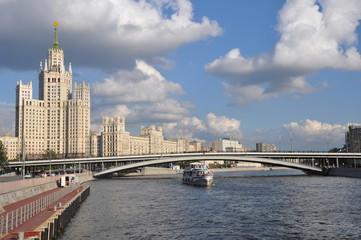 Сталинская высотка на Котельнической набережной. Эксурсии