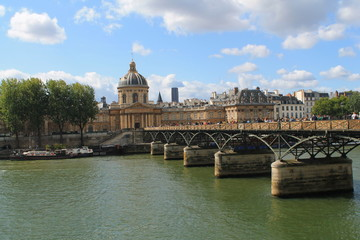 Pont des arts à Paris, France