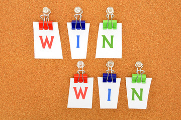 WIN-WINのロゴ