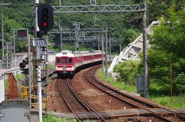 カーブを走る神戸電鉄