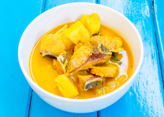 fish and pineapple curry