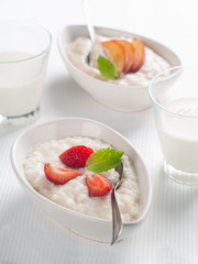 porridge with fruit and berr