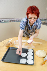 Placing baking cups