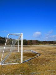 青空とサッカーゴール