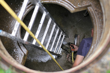 Zisterne, cleaning water cistern