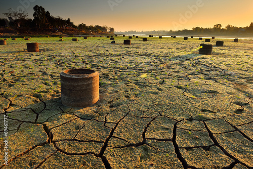 drought land - 69461777