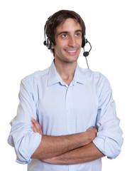 Freundlicher Kundenberater hilft am Telefon