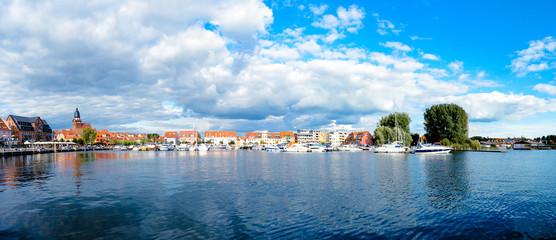 Panorama Waren Müritz Hafen Boote Steg