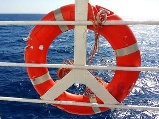 Salvagente sul traghetto