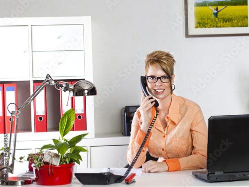 canvas print picture Frau im Büro