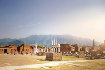 Kapitol von Pompeji