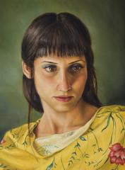 dipinto di una giovane donna con maglietta gialla