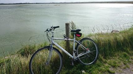 Vélo au bord de mer