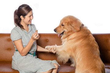 woman and golden retreiver