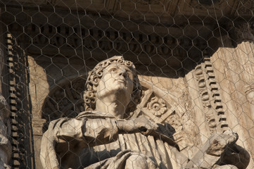 Duomo di Como - Statue