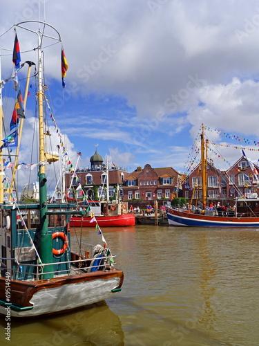 canvas print picture Hafen von NEUHARLINGERSIEL ( Ostfriesland )