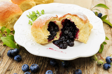 Brioche with blueberries
