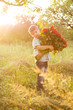 Obrazy na płótnie, fototapety, zdjęcia, fotoobrazy drukowane : little boy with roses
