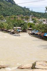 Dorp Bukit Lawang op Sumatra