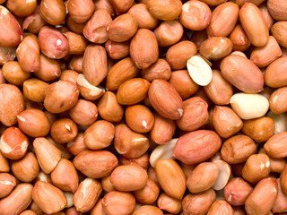 raw uncooked peanuts