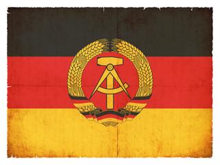 Grunge-Flagge Deutsche Demokratische Republik (DDR)