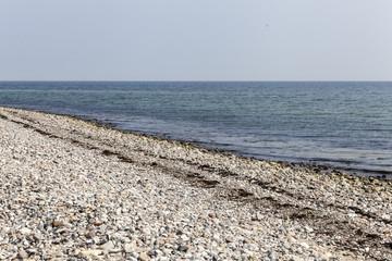 Menschenleerer Strand an der Ostsee in Schleswig-Holstein,Deutsc
