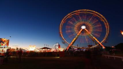 Ferris wheel at night, a timelapse