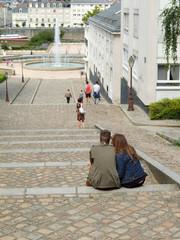amoureux sur les marches