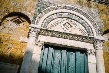 Duomo di Volterra, portale - Toscana