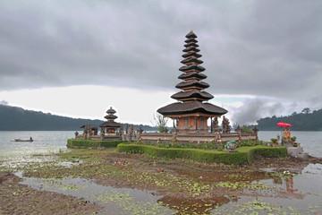 Lac Bratan et temple d'Ulun Danu