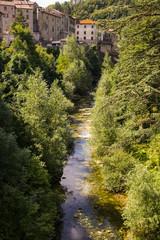 Borgo toscano sul fiume