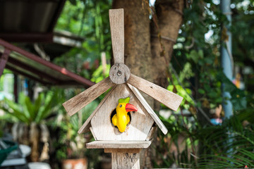 bird ceramic in house