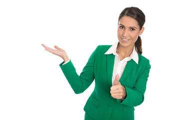 Präsentation: Business Frau isoliert in Grün mit Hand und Daumen