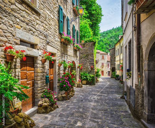 Italian street in a small provincial town of Tuscan - 69581730