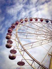 ferris wheel in the morning