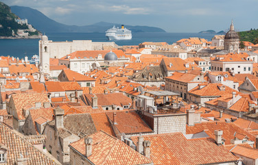 Dubrovnic panorama and ocean cruiser