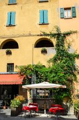 Brisighella, bar in centro