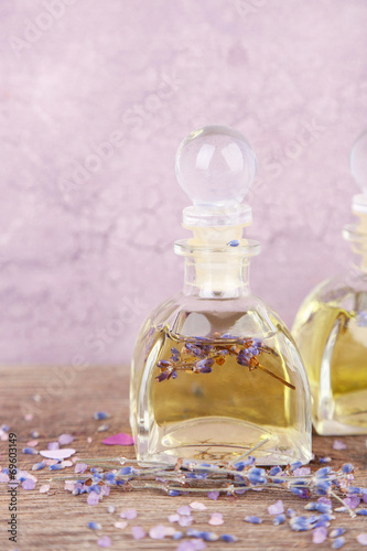 Foto op Canvas Lavendel Spa still life with lavender oil and flowers