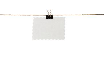 Preisschild an wäscheleine mit papier klemme