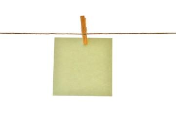 Preis schild an wäscheleine mit wäscheklammer, grün