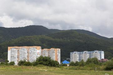 Многоквартирные дома в посёлке Лазаревское, Сочи
