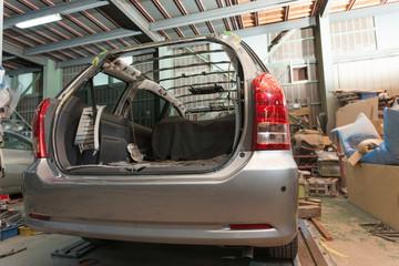 自動車の修理 屋根の交換