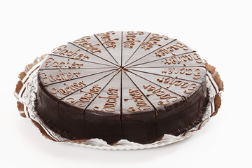 Sacher Kuchen auf weißem Hintergrund